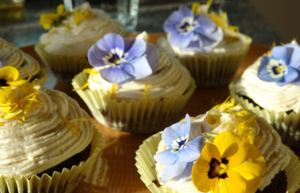 Dandelion Drizzle Cupcakes