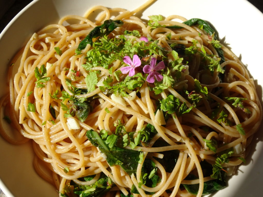 Spaghetti with weeds